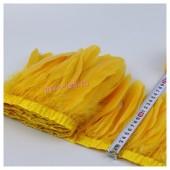 1 м. Оранжево-желтый цвет. Тесьма. Перья петуха на ленте 14-19 см.